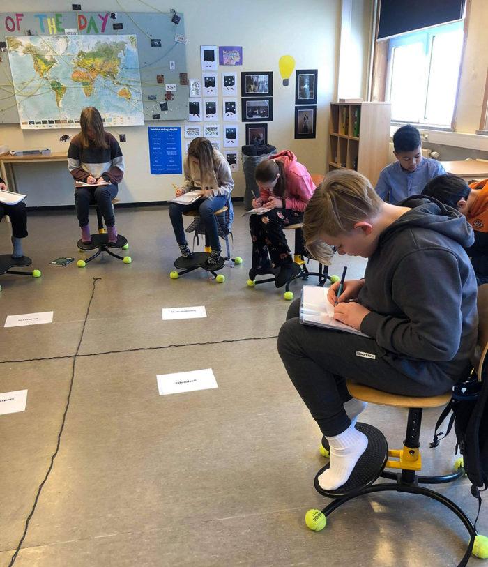 Elevar lagar spørsmål til nettside